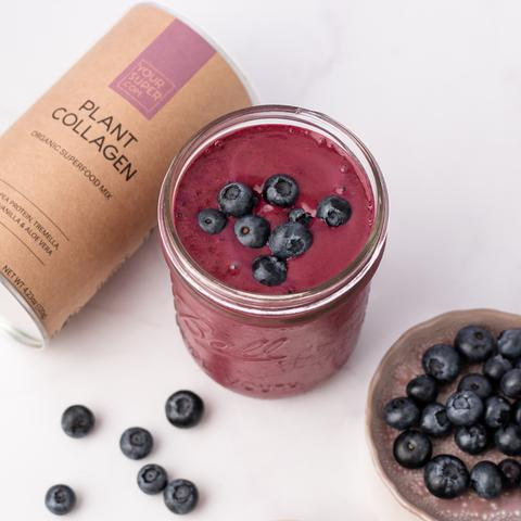Blueberry collagen smoothie! 1